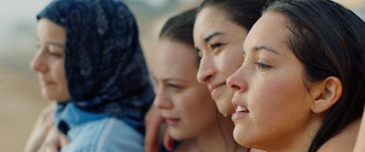 艾新聞 坎城影展首映口碑爆棚,電影《女孩要革命》導演處女作無緣衣錦還鄉【電影介紹‧預告】